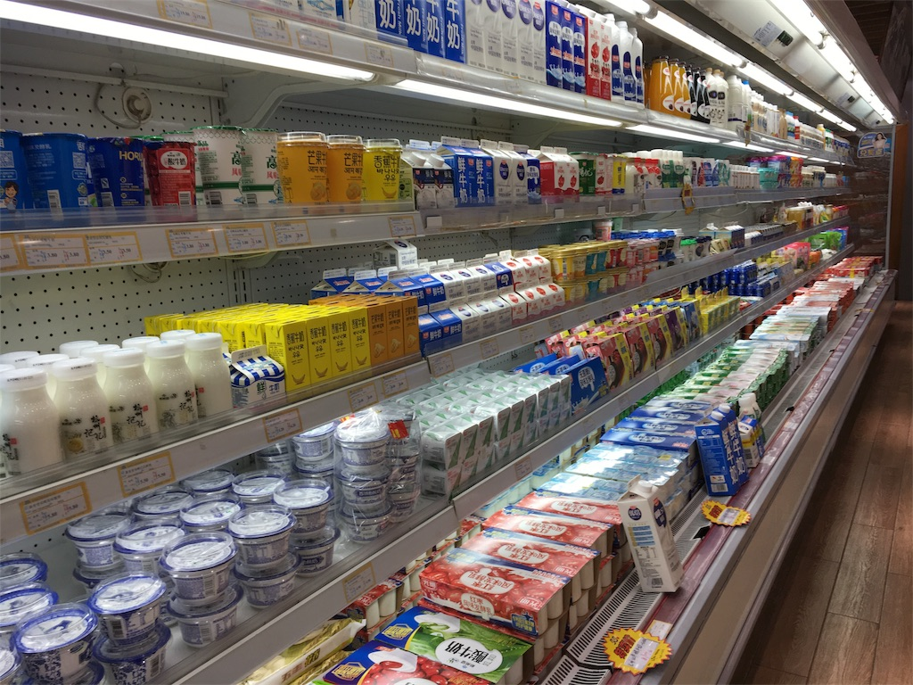 中国のスーパーの棚