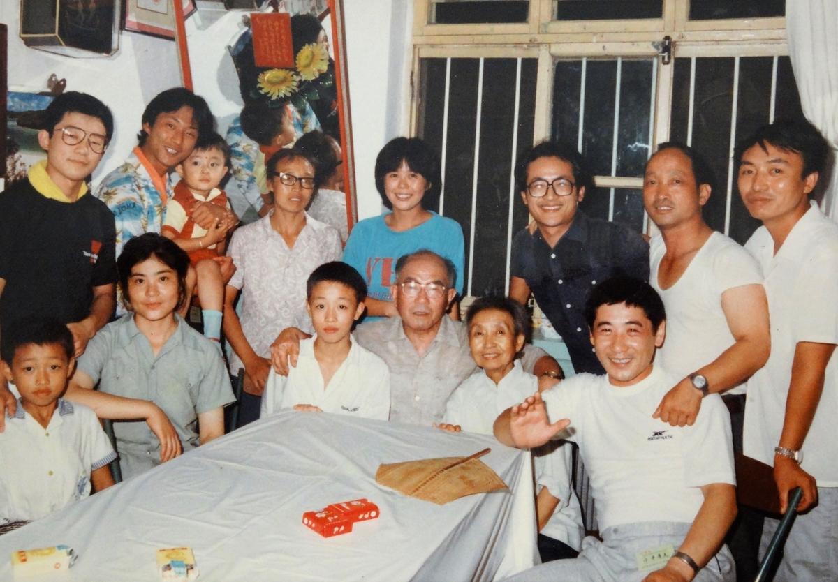 中国武術家、徐其成と家族