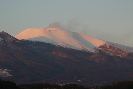 夕日に染まる浅間山