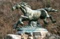 北村西望、ブロンズ彫刻「神馬」(宝登山神社)。
