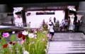 佐久平駅に「コスモス」を飾る子どもたち。(24.9.6)