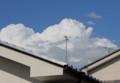 青空に、むくむくと白い入道雲が…。(25.6.22)