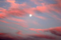 夕日に染まった雲…、ぽつんと浮かぶお月さま。(25.9.17)(17:58)