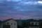 西空に広がる、不気味な雲の帯。(26.8.21)(18:48)