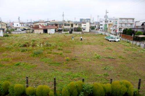 裏の更地・草原も刈り払い作業。(26.9.11)