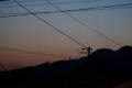 日の出位置が北側に移った、赤らんだ空。(27.5.15)