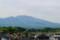 薄雲にやや霞んで見える「浅間山」。(27.5.23)