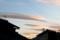 朝日に染まる、「レンズ状の雲」。(27.10.27)