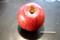 無袋栽培の「サンふじ」リンゴ(林檎)。(28.12)