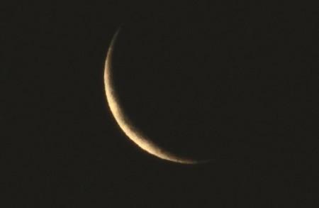 早朝の「お正月」のお月さま。(29.2.24)(5:42)