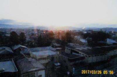 ホテルの窓から、日の出。(29.3.26)(5:58)
