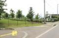 「市民交流ひろば」、駐車場入口。(29.7.17)