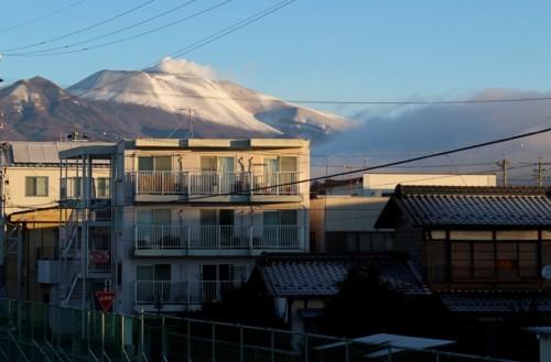 窓からの景色は、真冬そのもの…。(29.12.9)