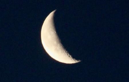 旧暦、「霜月二十五日」のお月さま。(30.1.11)(6:50)