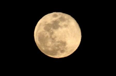 「正月十五日」の月の出。(30.3.2)(18:25)