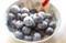 「冷凍ブルーベリー」を、おやつに。(30.3.19)