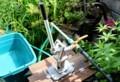 「井戸・手押しポンプ」設置完了・稼働開始。(30.5.29)