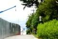 新築中の岩村田小学校、道を挟んだ招魂社。(30.6.10)