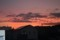 西空には夕焼け雲、二日の月は諦め…。(30.7.14)