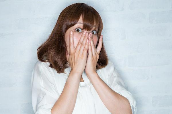 自分のアソコで「マン臭事変」が起きてショックを受ける女性