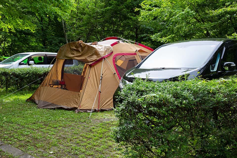 キャンプ場のオートサイト