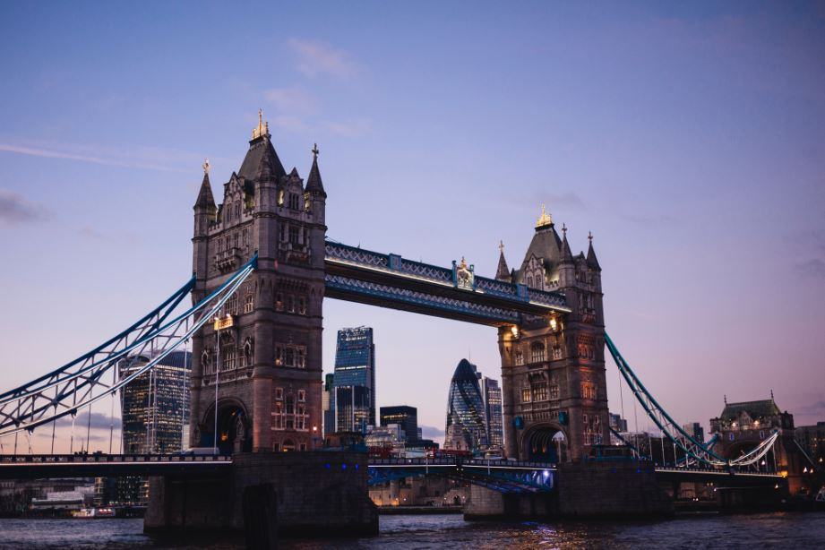EU離脱問題に揺れるイギリスを象徴する、ロンドンのタワーブリッジ