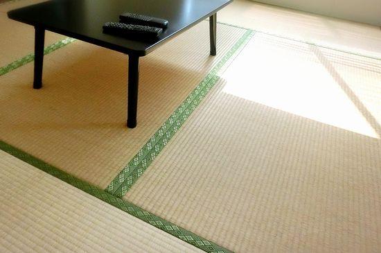 和室の畳の掃除