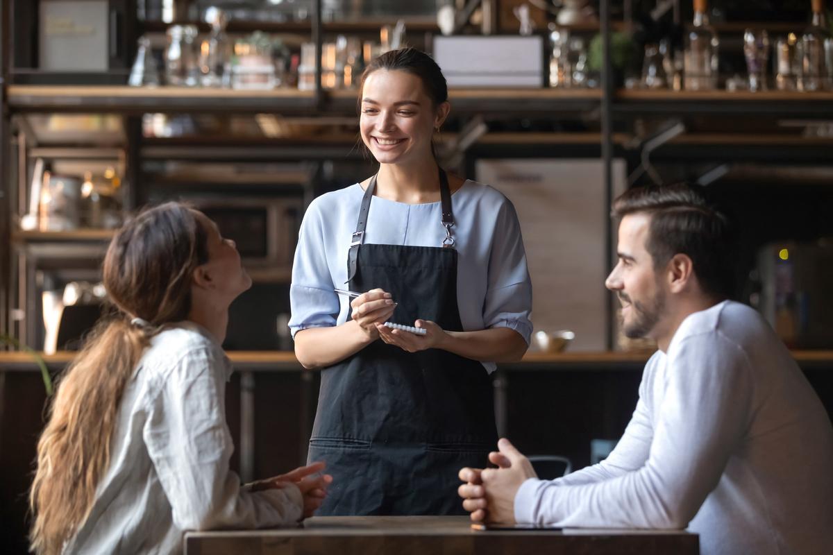 海外のレストランやカフェで店員と仲良くなれる英語表現35
