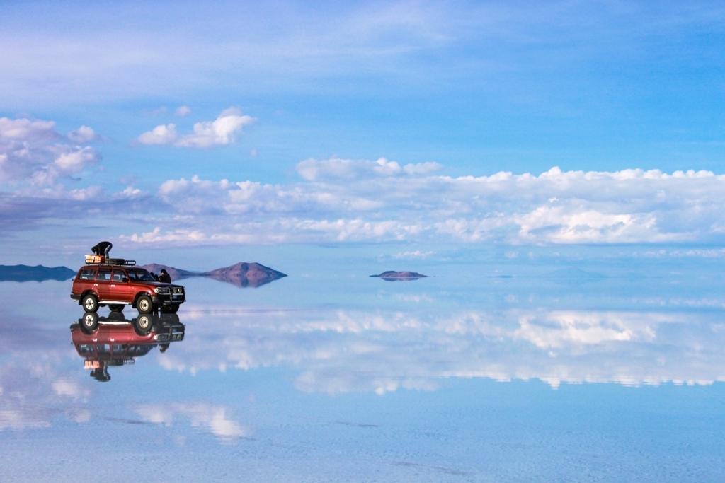 ボリビア・ウユニ塩湖とランクル