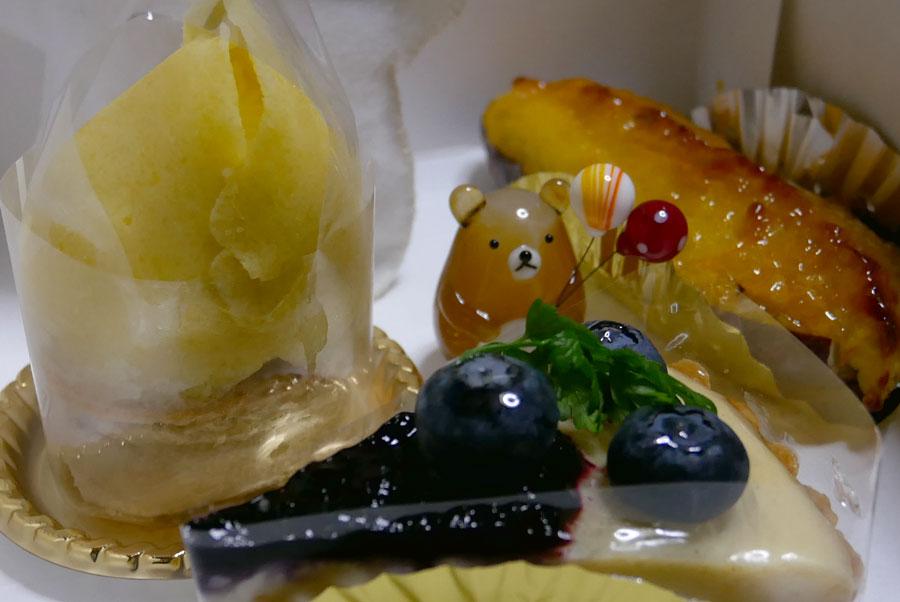 クマとケーキ