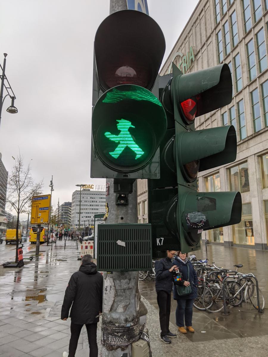 「海外 信号 ベルリン」の画像検索結果
