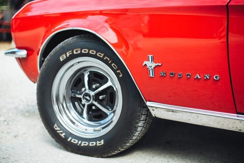 高級車のタイヤ