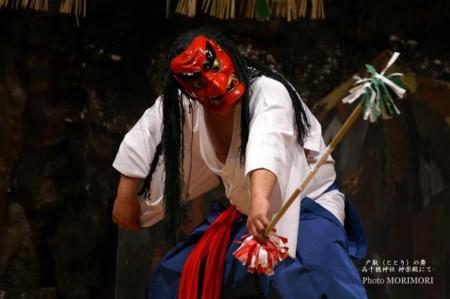 高千穂神社では毎夜夜神楽