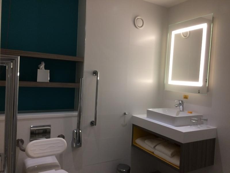 イギリスオックスフォードのホテル Jury Inn Oxford バスルーム