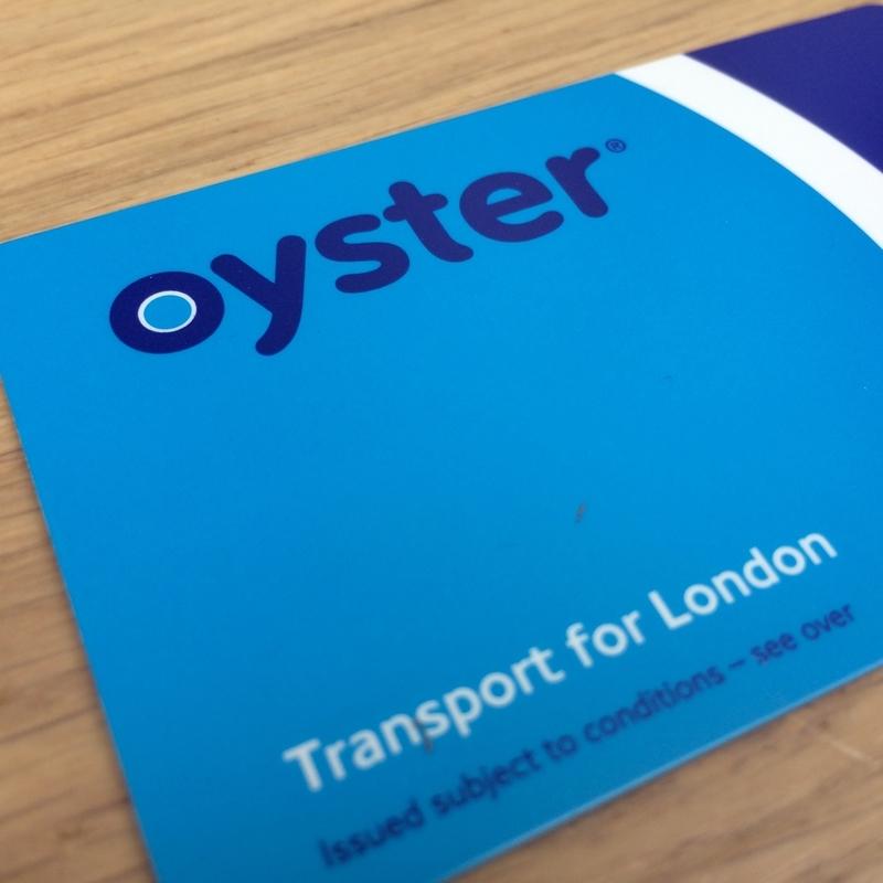 ロンドンの地下鉄・バスで使えるオイスターカード
