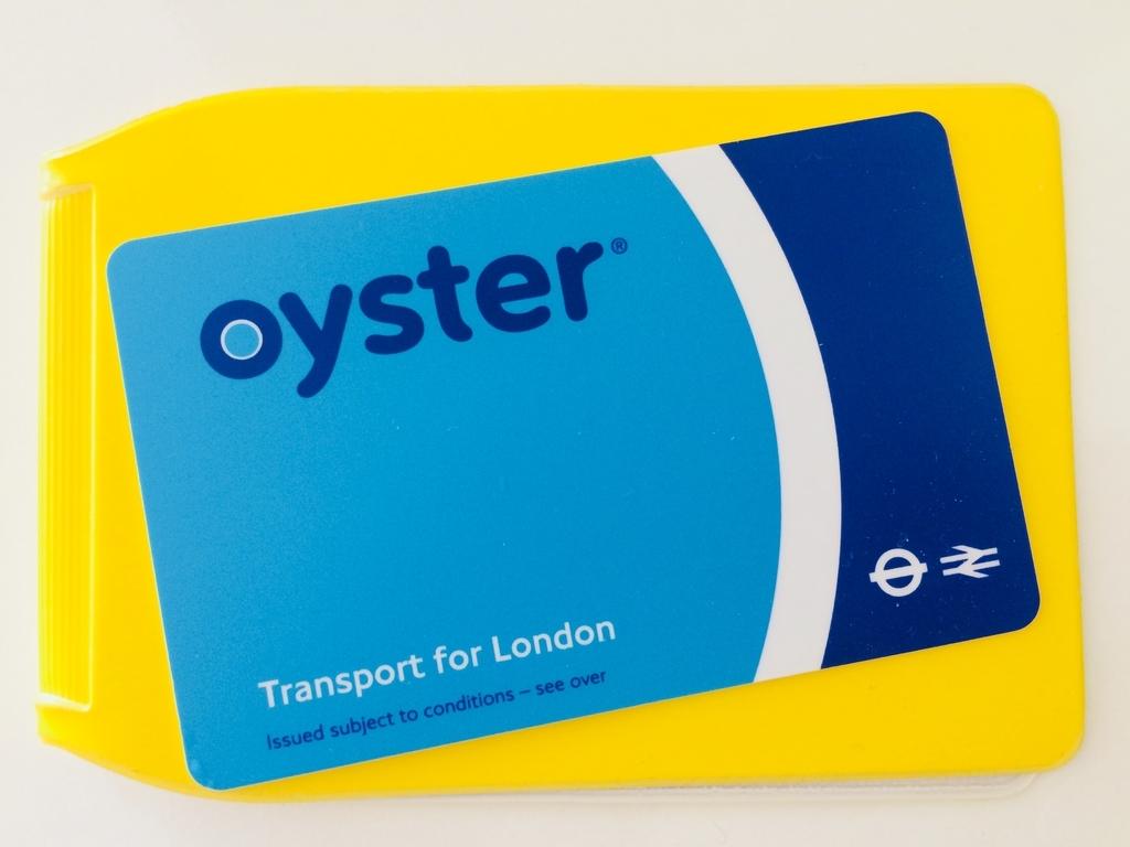 ロンドンの地下鉄・バスで使える「オイスターカードOyster Card」