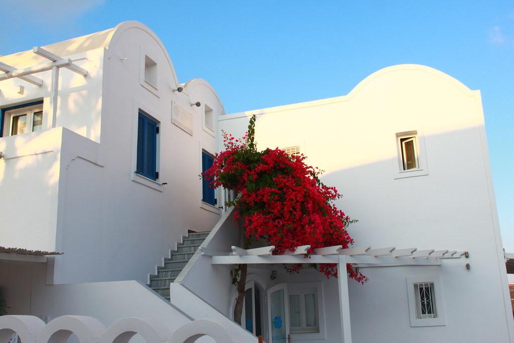 ギリシャサントリーニ島のホテルLoizos Stylish Residencesル