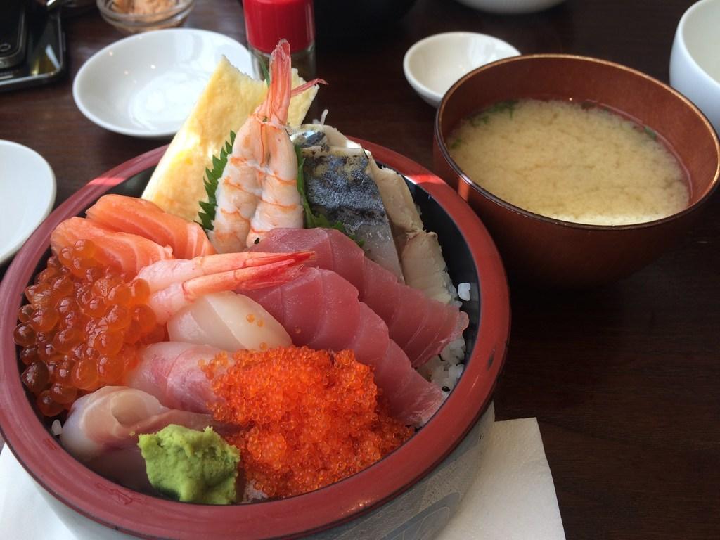 あたりや イーリング・コモン店(Atariya Sushi Bar)