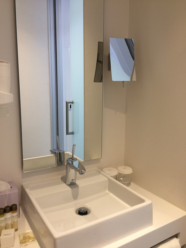 ポルトガルリスボンのホテル Hotel White Lisboa 洗面台