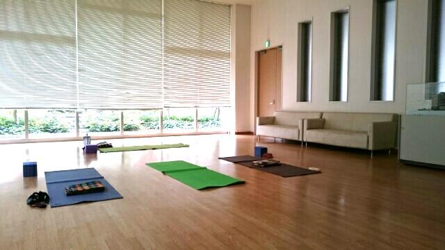 f:id:yogaroomcomfy:20161129195712j:plain