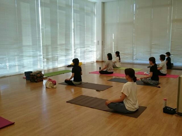 f:id:yogaroomcomfy:20170529102105j:plain