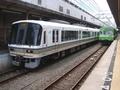 JR221系 奈良線みやこ路快速とJR103系 奈良線普通