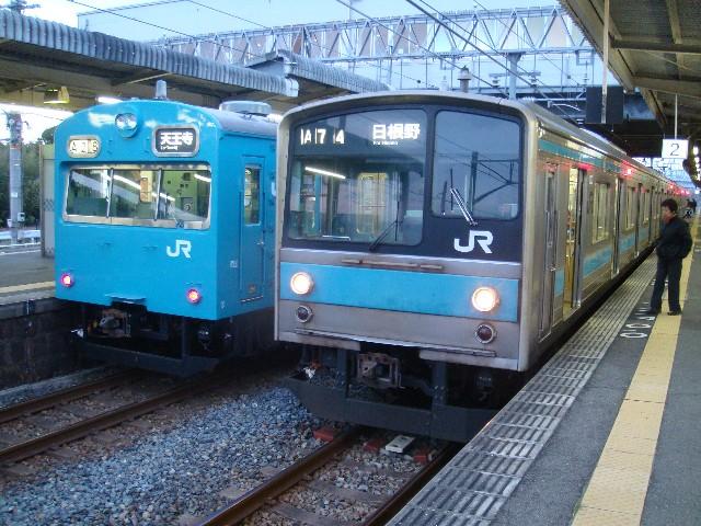 JR103系 JR阪和線普通とJR205系1000番代 JR阪和線普通  JR103系 JR 個