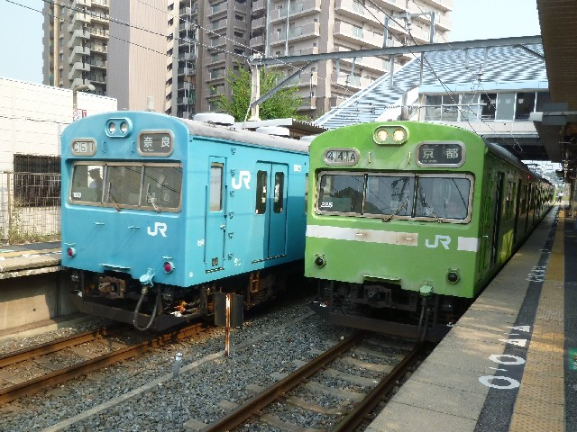 JR103系とJR103系