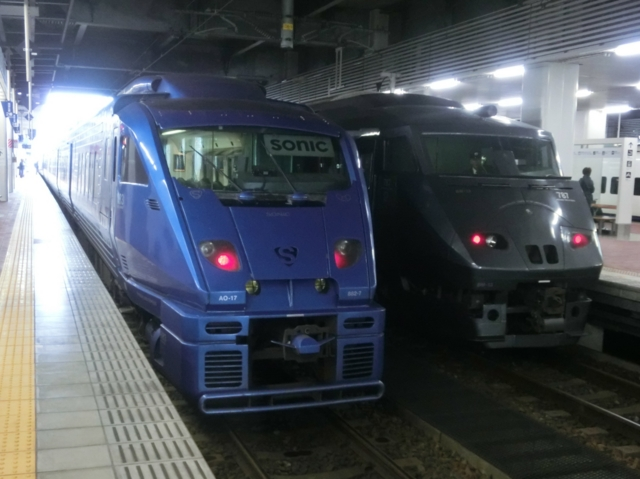 JR883系とJR787系