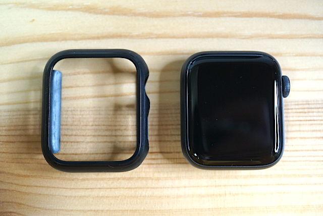 Apple Watch SE series3 series4 series5 series6 40mm 44mm 比較 画像 常時表示 レビュー おすすめ 違い まとめ スペースグレイ シルバー ケース フィルム アルミ ステンレス 選び方 文字盤 服 オシャレ 色 カラー サイズ LINE アプリ 操作 見やすさ 視認 性 迷う どっち Mac 簡単 存在感 見本 アップル ウォッチ スタンド 小物 まわり 周辺機器 置き時計 時計 立てかける バンド 別売り ミラネーゼ スポーツ グレー ブラック ビジネス 互換性 変え方 純正 amazon 楽天 Yahoo シリコン フルオロエラストマー