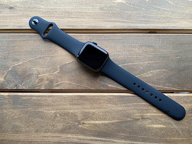 ブライワックス ワトコオイル  オールドウッド アンティーク ビンテージ ワックス 比較 ジャコビアン ウォルナット ラスティックパイン 色見本 レビュー おすすめ 違い  パイン材 デスク 机 色 比べる サンプル ウッド オイル ドリフトウッド 家具 解説 DIY 暗い 明るい コツ 塗り方 とは Apple Watch