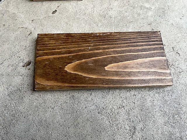 電動 サンダー 紙やすり ヤスリ サンディング ブライワックス ワトコオイル 木材 塗装 デスク テーブル 削る 落とす 剥がす 色落ち 簡単 おすすめ 80 60 ハンドサンダー 比較 ジャコビアン 違い キレイ 安い 仕上げ サンド ペーパー オービタル 価格