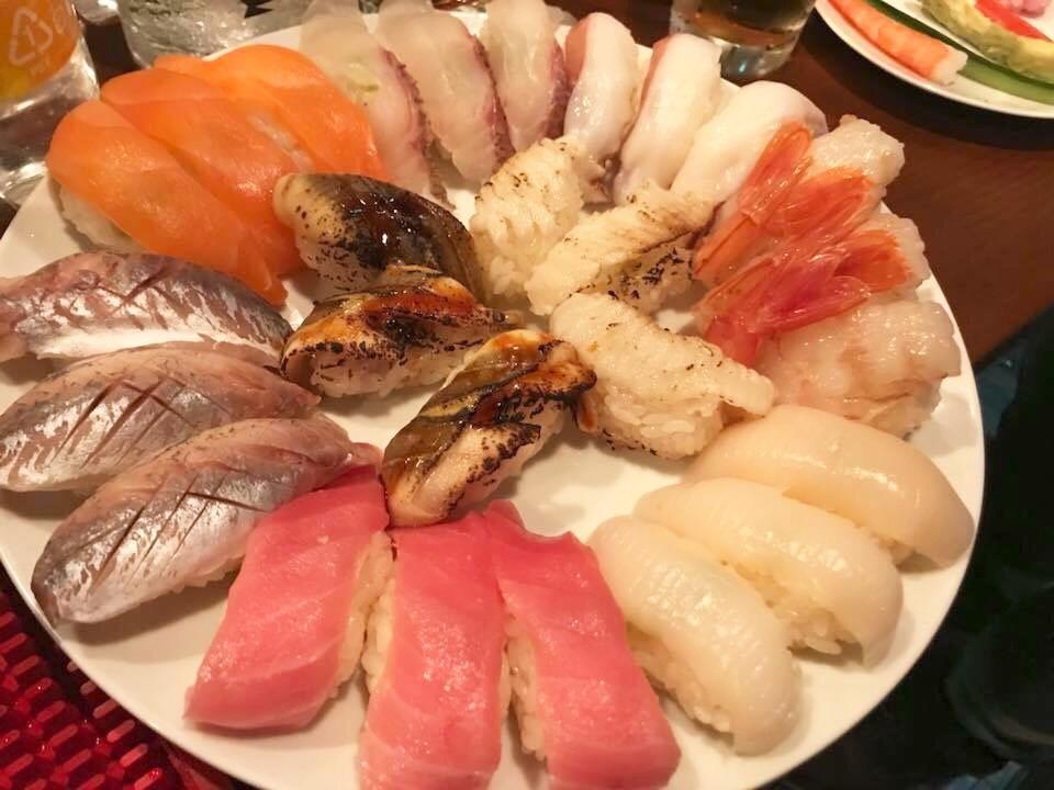 寿司、寿司、寿司しかない!
