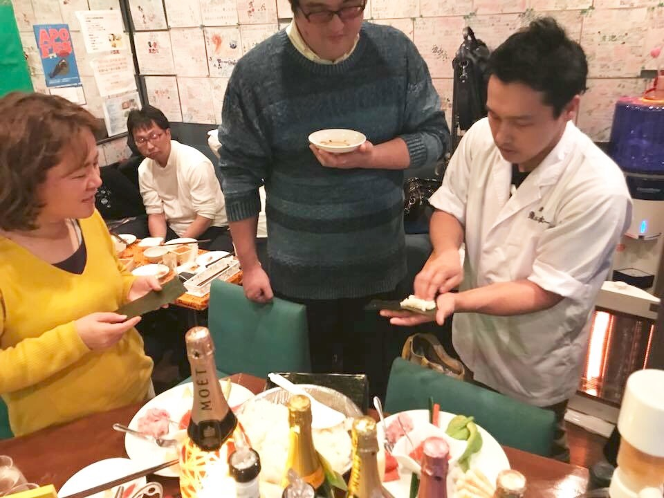 プロの寿司職人の巻き方講座つき